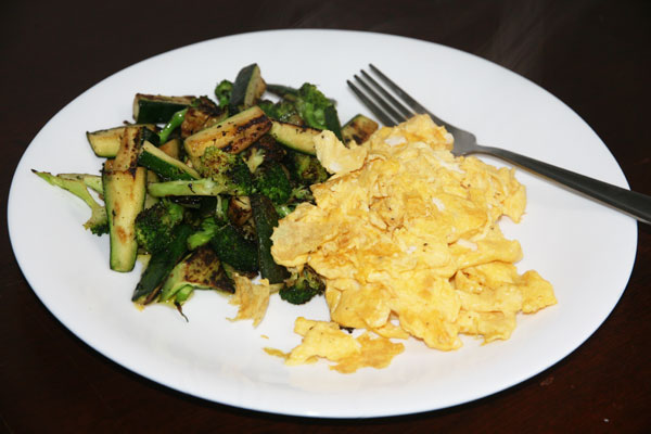 Scrambled-eggs-and-veggies